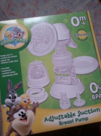 Looney Tunes manual pump Php 699.75, Baby Company