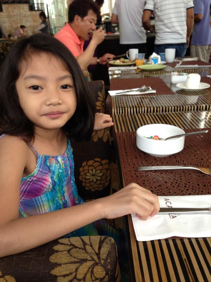 acacia-hotel-buffet2