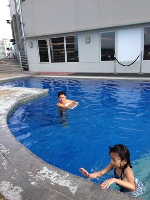 acacia-pool1