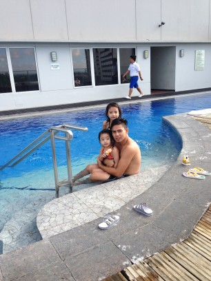 acacia-pool3