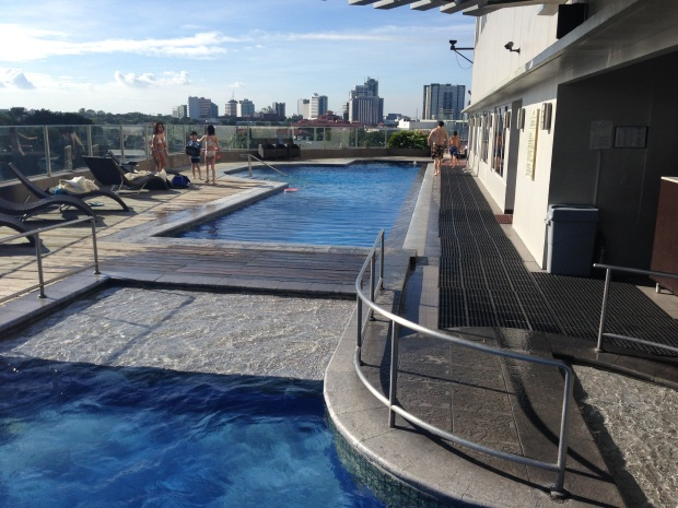 acacia-pool5