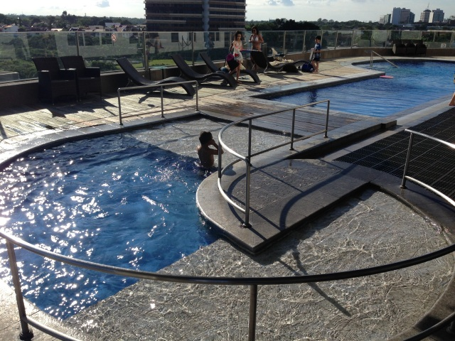 acacia-pool6